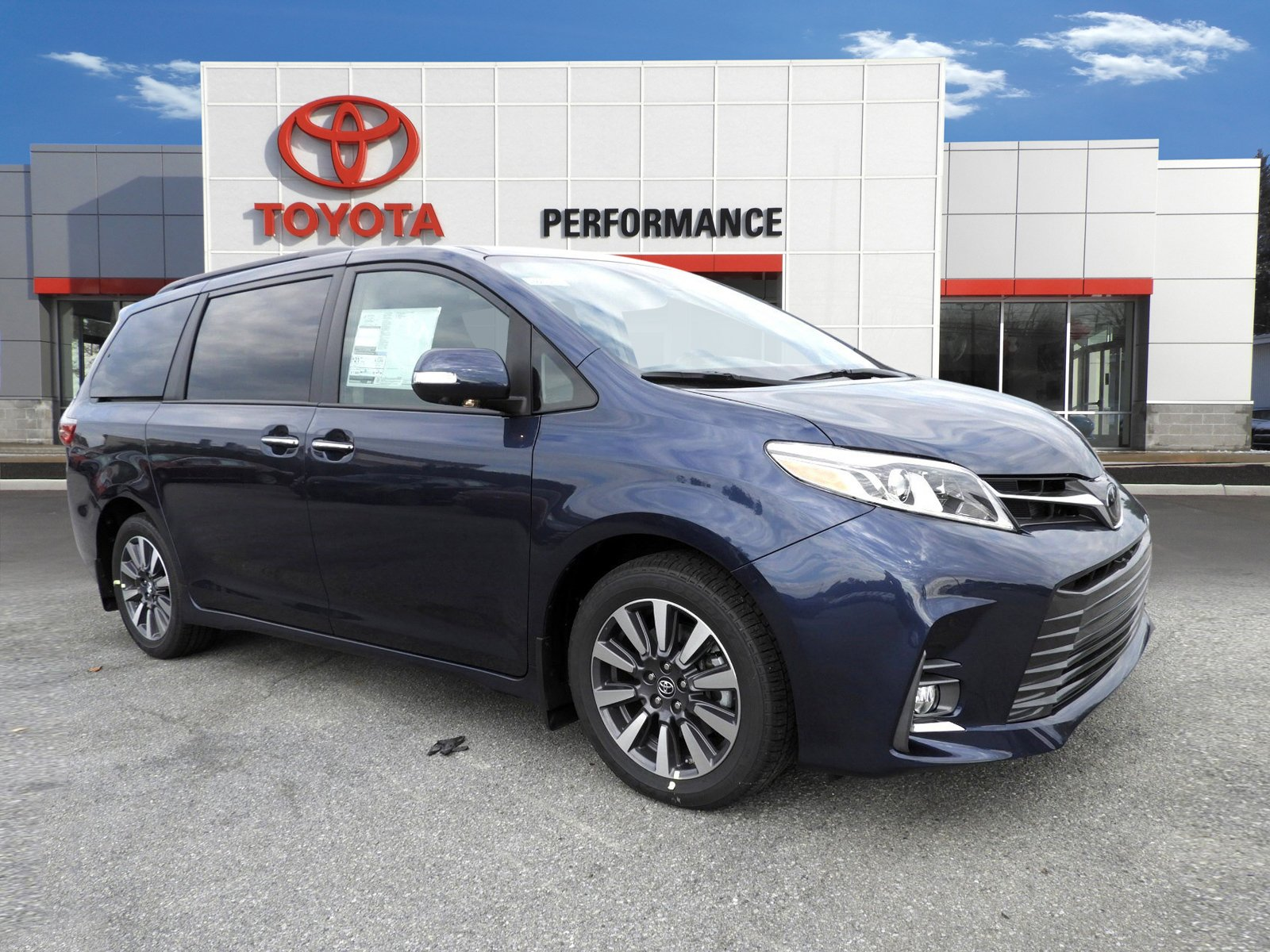 New 2020 Toyota Sienna Limited Premium