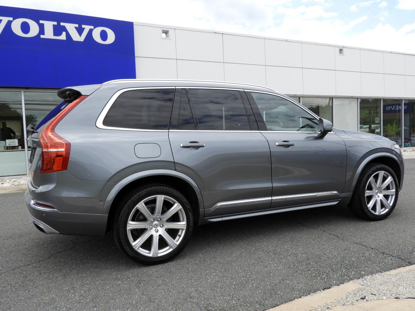 Pre-Owned 2017 Volvo XC90 Inscription